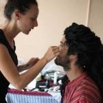 making of maquillé au foyer Le Téo dans le clip Pôle Emploi du rappeur français Nunsuko