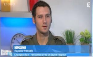 à Reims sur France 3 il y a l'émission de Valérie Alexandre et le rappeur français Nunsuko Valérie Alexandre, présentatrice de l'émission Champagne-Ardenne matin en direct tout les jour sur France 3 a reçu Nunsuko