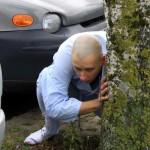 Nunsu pervers narcissique dans parking de voiture