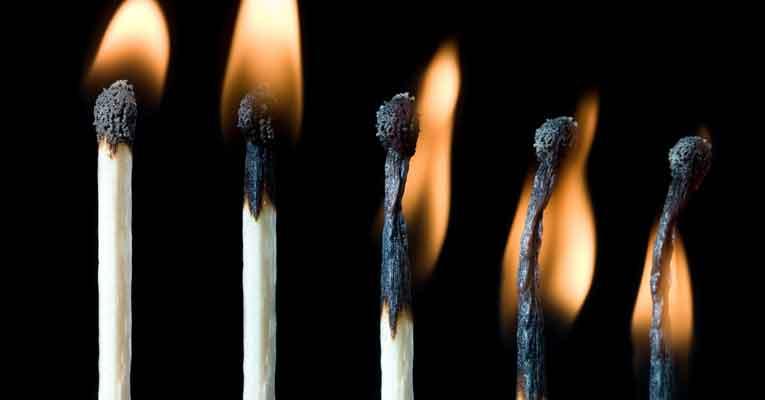 pourquoi de plus en plus de personnes sont-ils en burn out?